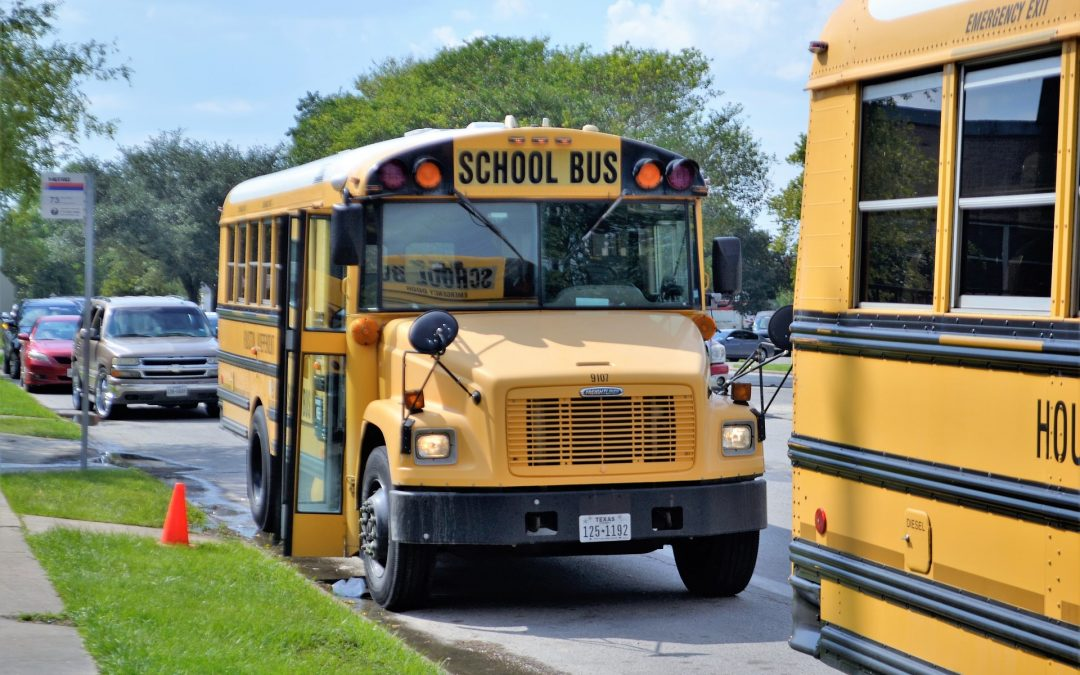 3 Benefits of GPS Tracking for School Buses